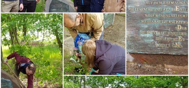 Pflege des Gedenksteins für die Opfer der nationalsozialistischen Militärjustiz in Burghausen